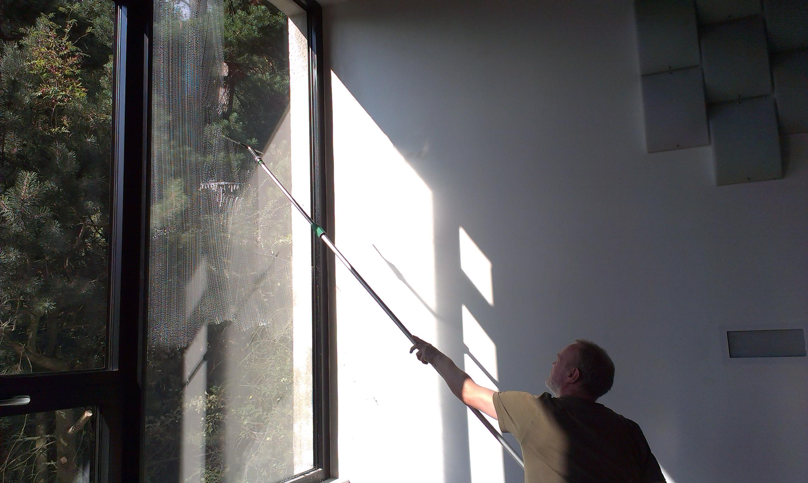 Mytí atipických oken Brno